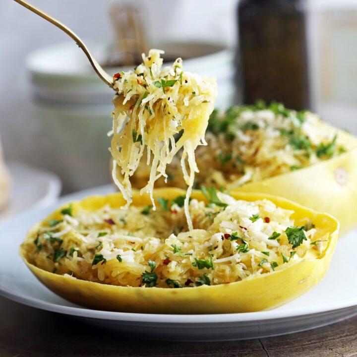 Instant Pot Garlic Parmesan Spaghetti Squash
