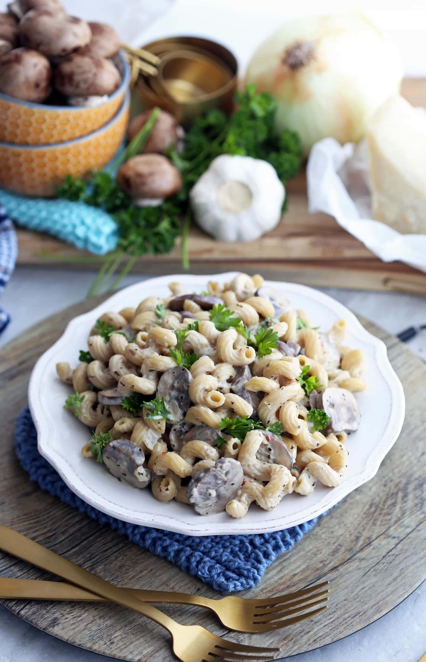 Instant Pot Mushroom Pasta with Creamy Cheese Sauce